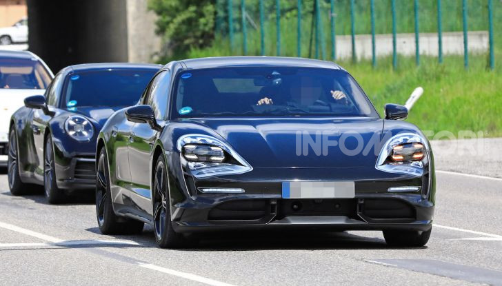 Porsche Taycan, la prova su strada in anteprima arriva dalla Germania - Foto 21 di 43