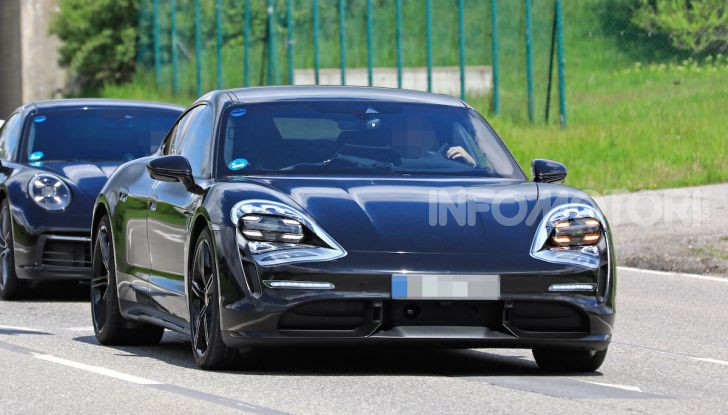 Porsche Taycan, la prova su strada in anteprima arriva dalla Germania - Foto 14 di 43