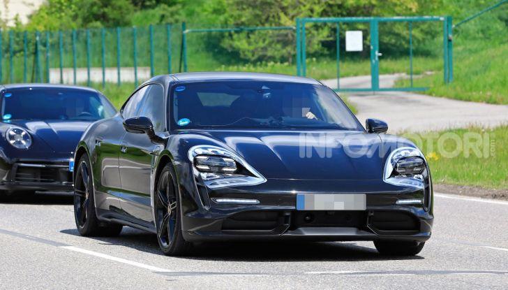Porsche Taycan, la prova su strada in anteprima arriva dalla Germania - Foto 24 di 43