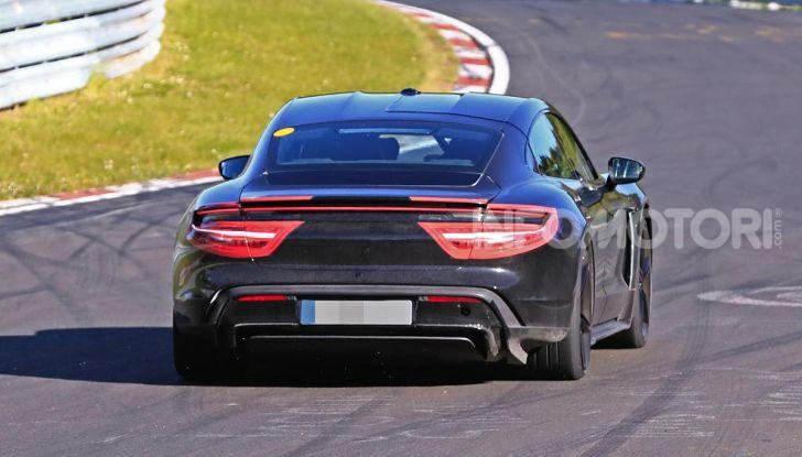 Porsche Taycan 2020, foto e dati della versione definitiva - Foto 9 di 43