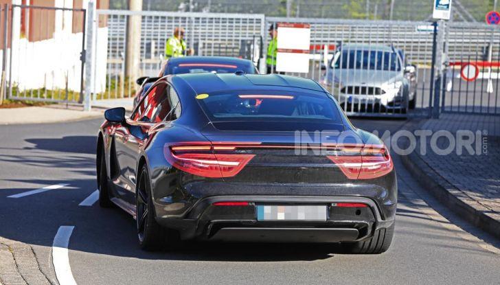 Porsche Taycan, la prova su strada in anteprima arriva dalla Germania - Foto 6 di 43