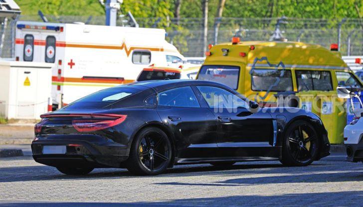 Porsche Taycan, la prova su strada in anteprima arriva dalla Germania - Foto 43 di 43
