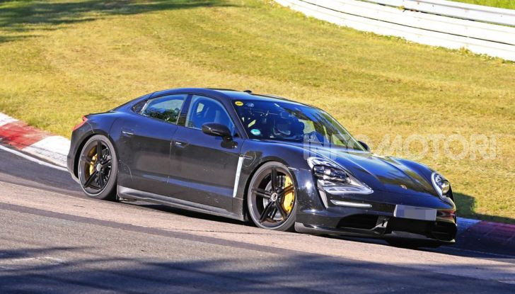 Porsche Taycan, che book: toccate le 30.000 prenotazioni - Foto 39 di 43