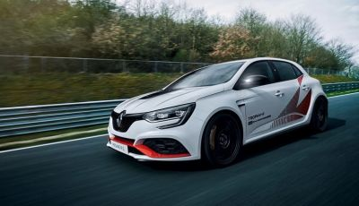 Renault Megane RS Trophy-R, nuovo record al Nordschleife