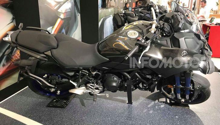 Yamaha Niken: al Moard arriva la moto (a tre ruote) che non c'era - Foto 2 di 8