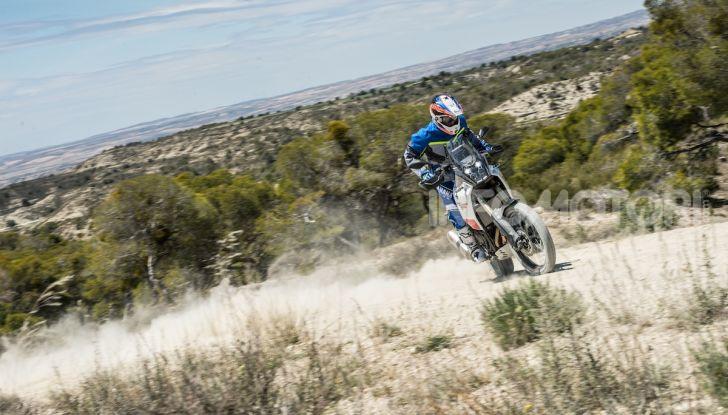 Yamaha Tenere 700 arriva nei concessionari con Explorer e Rally Pack - Foto 7 di 16