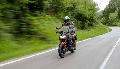 Prova Kawasaki Z400 2019: ecco la nuova naked di Akashi