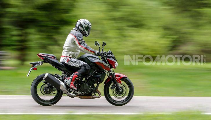 Prova Kawasaki Z400 2019: ecco la nuova naked di Akashi - Foto 9 di 23