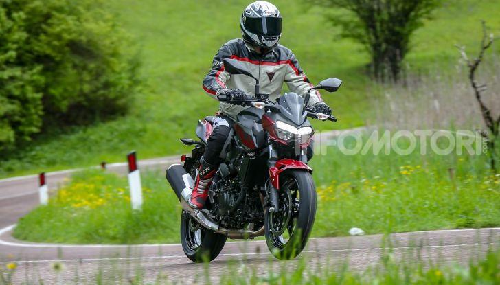 Prova Kawasaki Z400 2019: ecco la nuova naked di Akashi - Foto 12 di 23