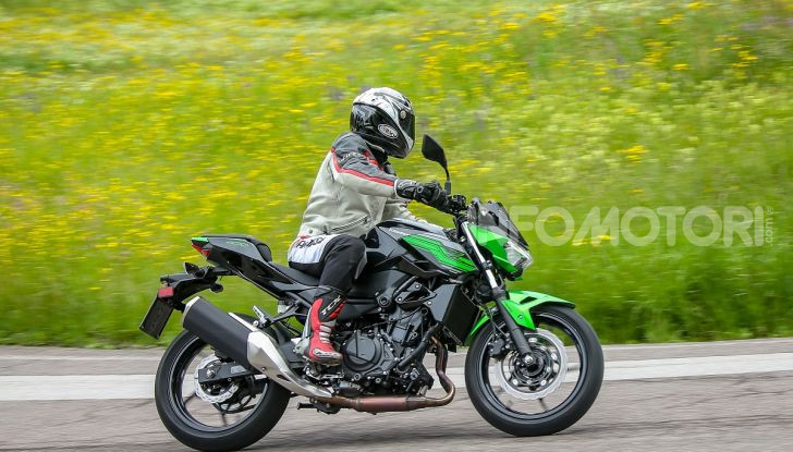 Prova Kawasaki Z400 2019: ecco la nuova naked di Akashi - Foto 22 di 23