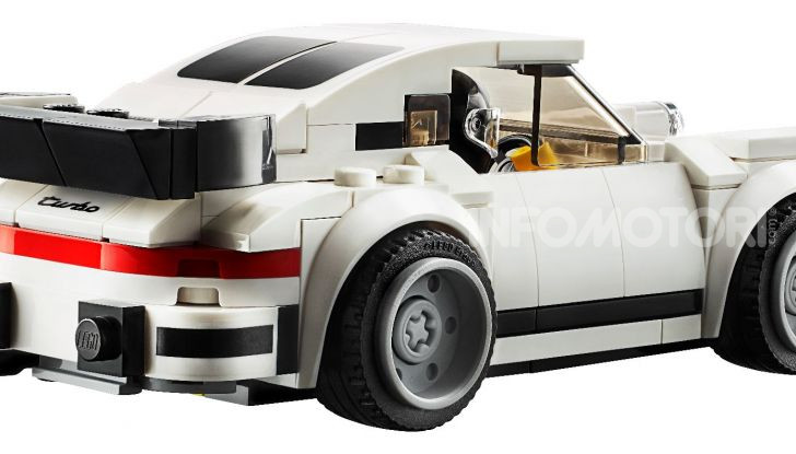Porsche 911 Turbo 3.0 1974 set LEGO Speed Champions - Foto 2 di 6