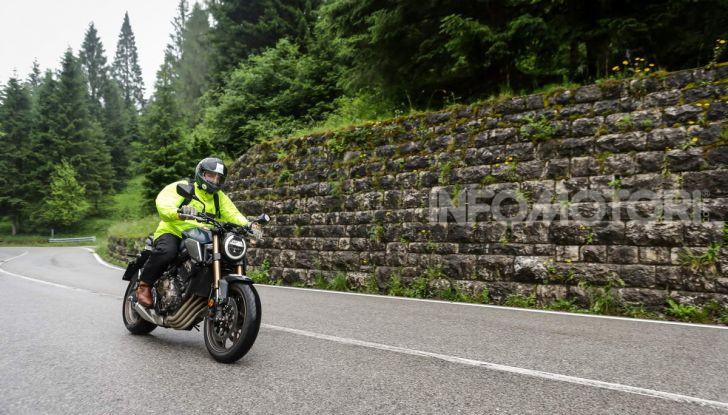La nostra 20.000 Pieghe: un viaggio di passione con una Honda CB650R - Foto 29 di 31