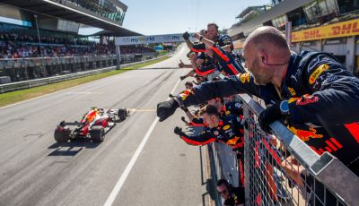 F1 2019 GP d'Austria, Red Bull Ring: Verstappen vince in rimonta su Leclerc e Bottas. Vettel quarto davanti a Hamilton