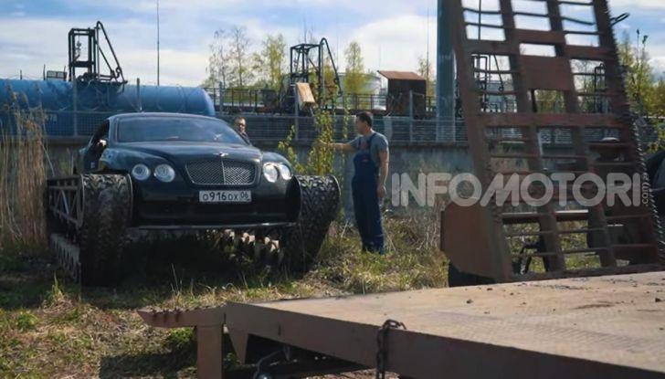 Tuning dalla Russia: ecco la Bentley con il cingolato per andare ovunque - Foto 24 di 32