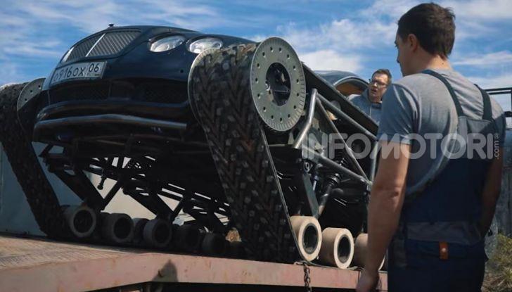 Tuning dalla Russia: ecco la Bentley con il cingolato per andare ovunque - Foto 25 di 32