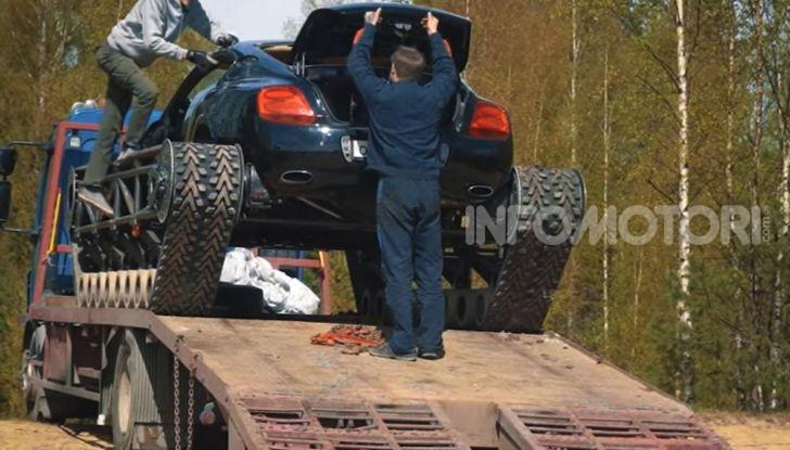 Tuning dalla Russia: ecco la Bentley con il cingolato per andare ovunque - Foto 28 di 32