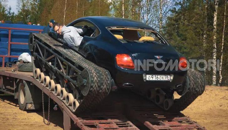 Tuning dalla Russia: ecco la Bentley con il cingolato per andare ovunque - Foto 29 di 32