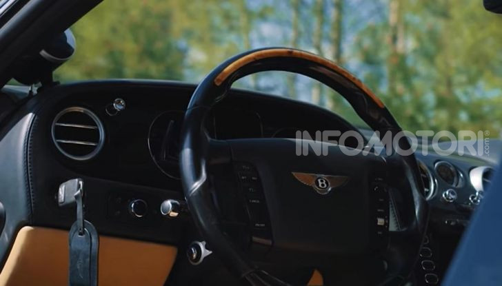 Tuning dalla Russia: ecco la Bentley con il cingolato per andare ovunque - Foto 31 di 32