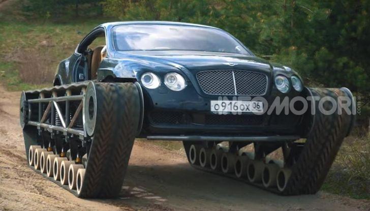 Tuning dalla Russia: ecco la Bentley con il cingolato per andare ovunque - Foto 1 di 32