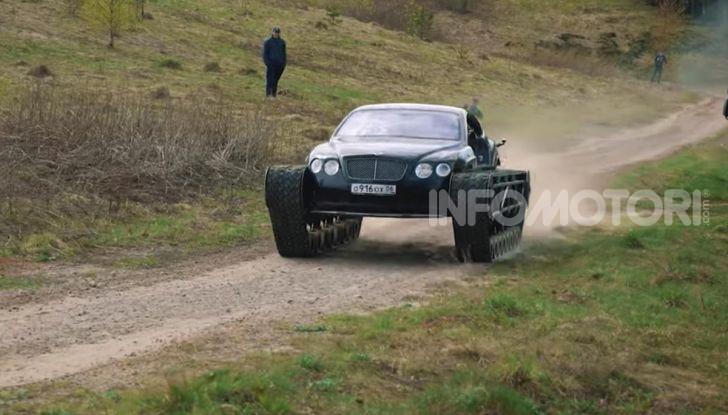 Tuning dalla Russia: ecco la Bentley con il cingolato per andare ovunque - Foto 3 di 32
