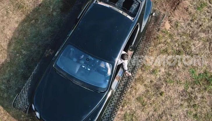 Tuning dalla Russia: ecco la Bentley con il cingolato per andare ovunque - Foto 8 di 32