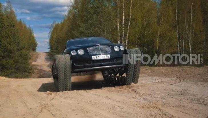 Tuning dalla Russia: ecco la Bentley con il cingolato per andare ovunque - Foto 14 di 32