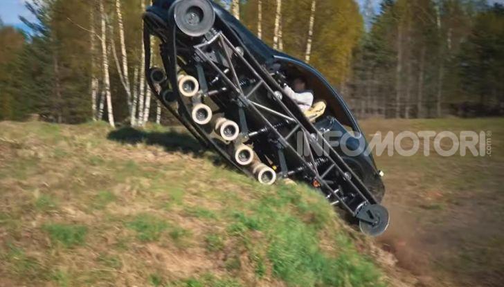 Tuning dalla Russia: ecco la Bentley con il cingolato per andare ovunque - Foto 2 di 32