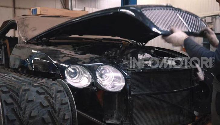 Tuning dalla Russia: ecco la Bentley con il cingolato per andare ovunque - Foto 19 di 32