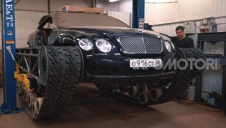 Tuning dalla Russia: ecco la Bentley con il cingolato per andare ovunque - Foto 21 di 32