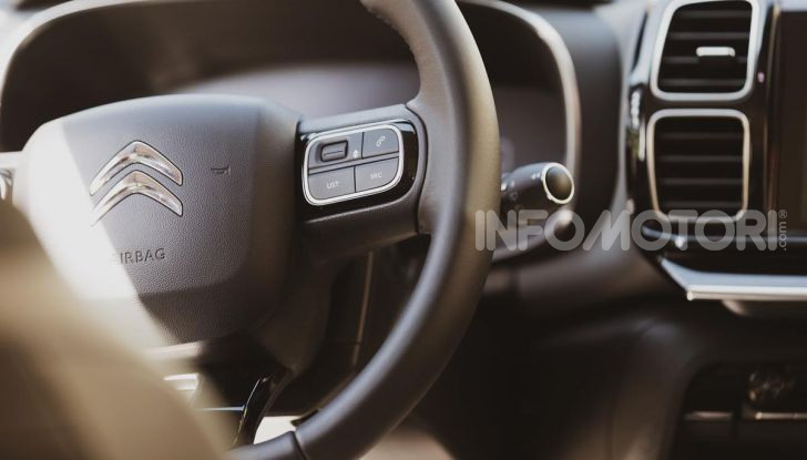 Feel Pack, la nuova versione della Citroen C5 Aircross - Foto 31 di 40