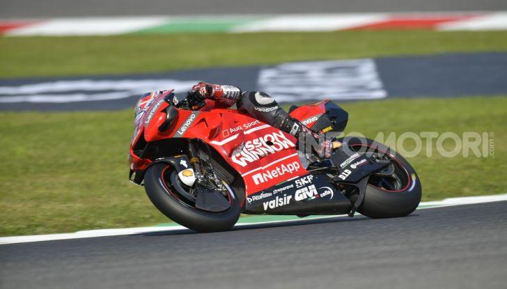 MotoGP 2019 GP d'Italia: Marquez firma il nuovo record del Mugello, Dovizioso solo nono e Rossi 18esimo - Foto 2 di 64