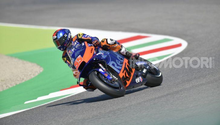 MotoGP 2019 GP d'Italia: Marquez firma il nuovo record del Mugello, Dovizioso solo nono e Rossi 18esimo - Foto 14 di 64