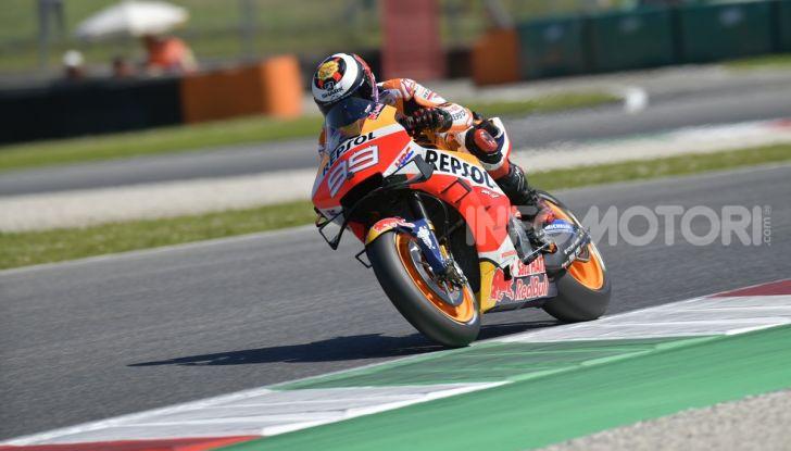 MotoGP 2019 GP d'Italia: Marquez firma il nuovo record del Mugello, Dovizioso solo nono e Rossi 18esimo - Foto 20 di 64