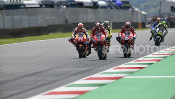 MotoGP 2019 GP d'Italia: Petrucci trionfa al Mugello davanti a Marquez e Dovizioso, Rossi a terra - Foto 33 di 52