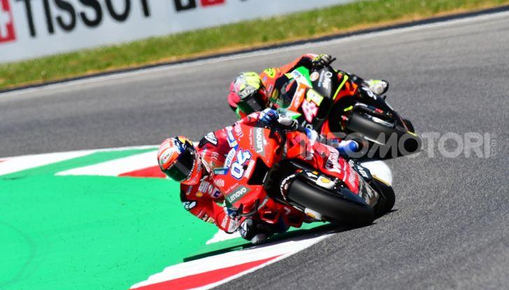 MotoGP 2019 GP d'Italia: Marquez firma il nuovo record del Mugello, Dovizioso solo nono e Rossi 18esimo - Foto 30 di 64