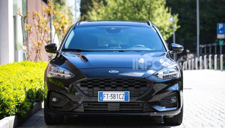 Prova Ford Focus Wagon 1.5 EcoBoost ST Line: per papà sportivi, ma non solo! - Foto 2 di 33