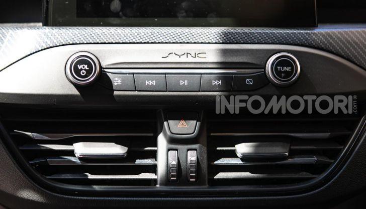 Prova Ford Focus Wagon 1.5 EcoBoost ST Line: per papà sportivi, ma non solo! - Foto 16 di 33