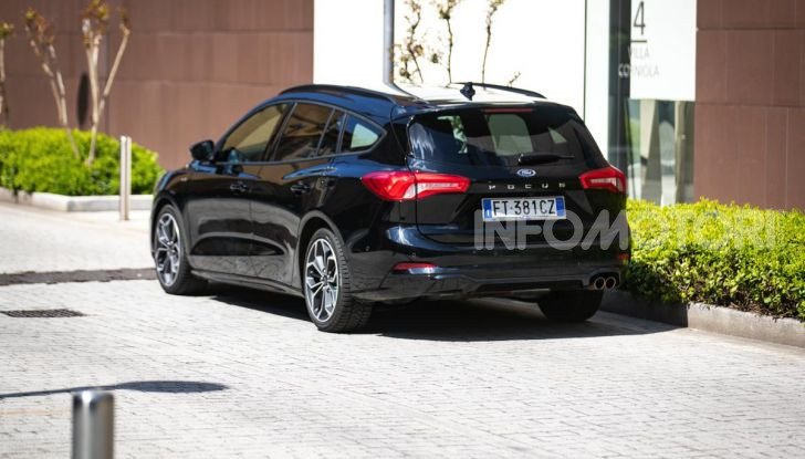 Prova Ford Focus Wagon 1.5 EcoBoost ST Line: per papà sportivi, ma non solo! - Foto 6 di 33