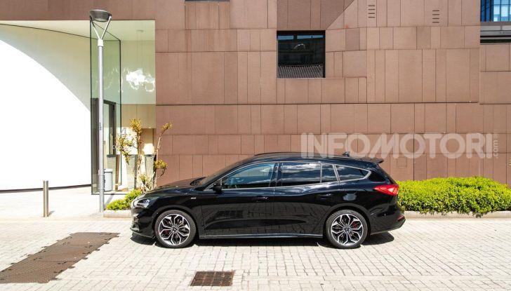Prova Ford Focus Wagon 1.5 EcoBoost ST Line: per papà sportivi, ma non solo! - Foto 11 di 33