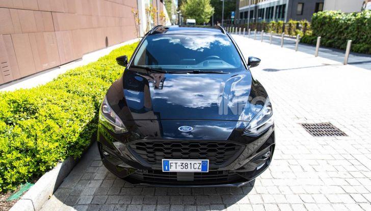 Prova Ford Focus Wagon 1.5 EcoBoost ST Line: per papà sportivi, ma non solo! - Foto 1 di 33