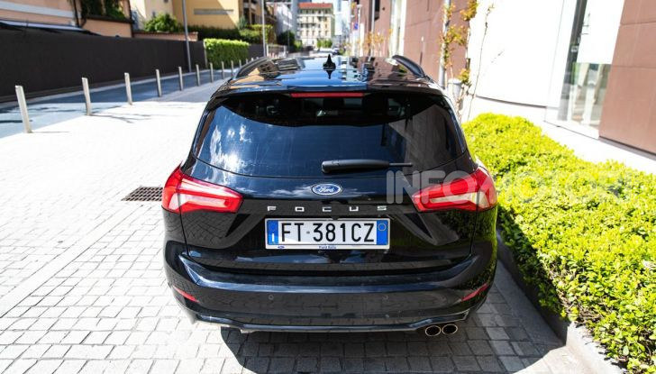 Prova Ford Focus Wagon 1.5 EcoBoost ST Line: per papà sportivi, ma non solo! - Foto 9 di 33