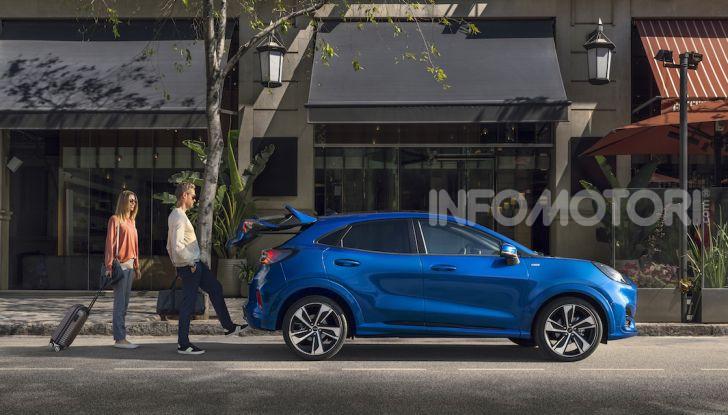 Nuova Ford Puma: il crossover che studia da SUV - Foto 19 di 21