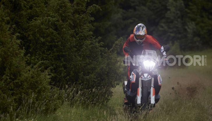 KTM 790 Adventure R Rally: l'off road non conosce più limiti - Foto 10 di 13