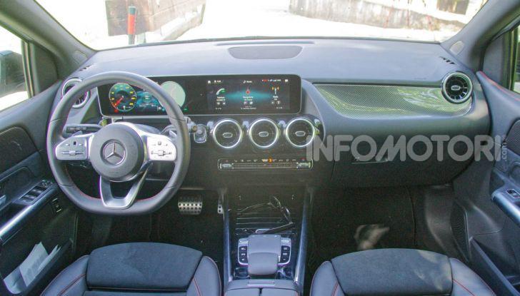 Mercedes Classe B finiture tecnologia spazio MBUX