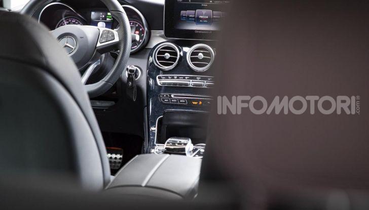 Mercedes-Benz GLC 350e: un passo in avanti verso l'elettrificazione - Foto 14 di 33