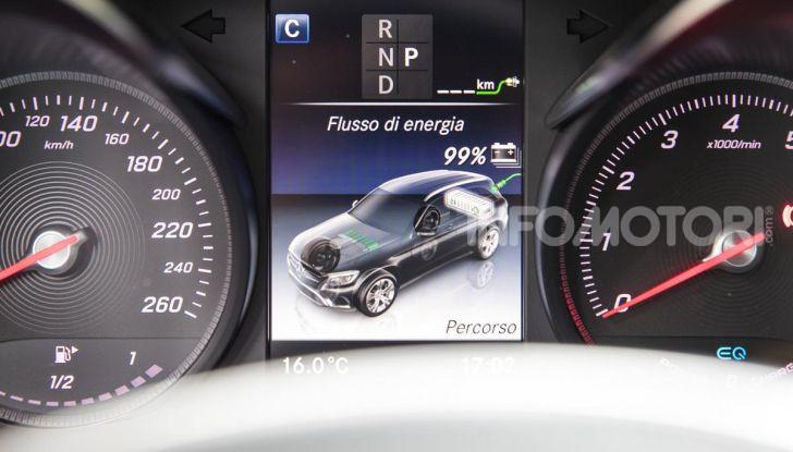 Mercedes-Benz GLC 350e: un passo in avanti verso l'elettrificazione - Foto 29 di 33