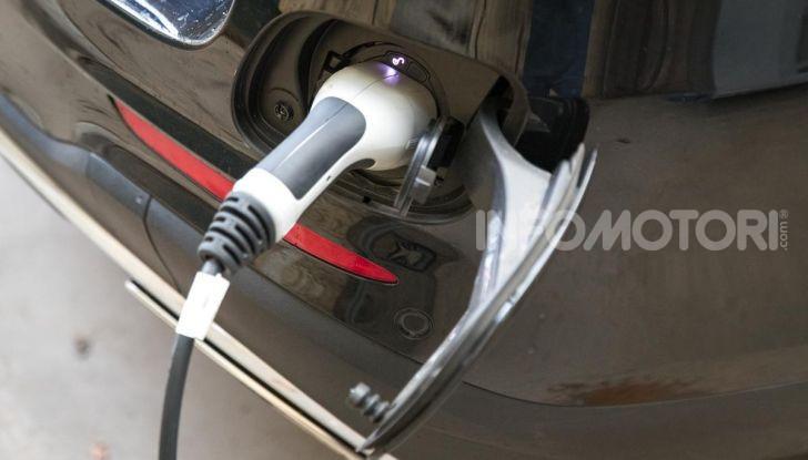 Mercedes-Benz GLC 350e: un passo in avanti verso l'elettrificazione - Foto 8 di 33