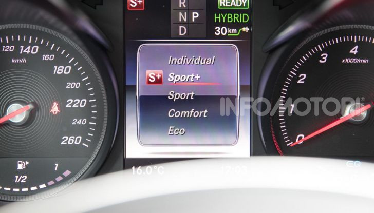 Mercedes-Benz GLC 350e: un passo in avanti verso l'elettrificazione - Foto 27 di 33