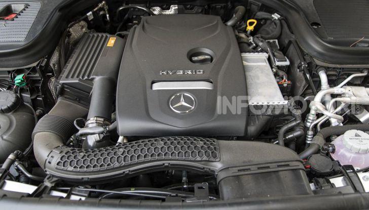 Mercedes-Benz GLC 350e: un passo in avanti verso l'elettrificazione - Foto 16 di 33