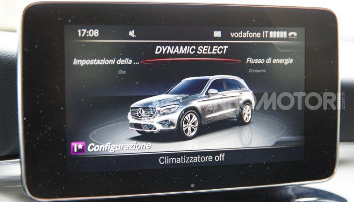 Mercedes-Benz GLC 350e: un passo in avanti verso l'elettrificazione - Foto 20 di 33